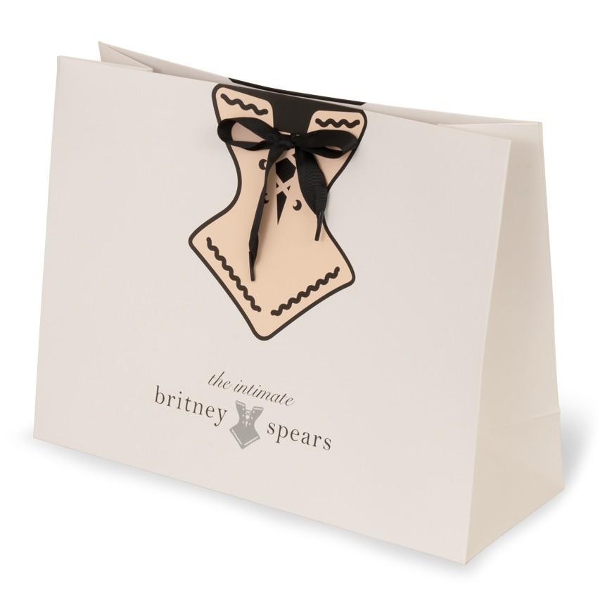 Lựa chọn túi giấy cho cửa hàng kinh doanh thời trang